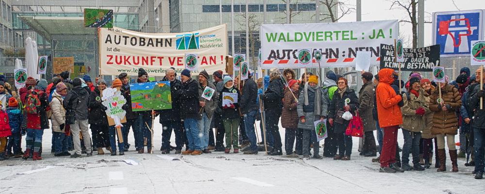 Foto1 Demo St. Poelten